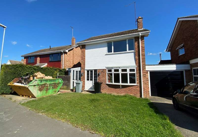 3 Bedrooms Detached House for sale in Broadway Close, Bourne