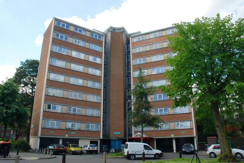2 Bedrooms Flat for sale in Stoford Close, Southfields, SW19
