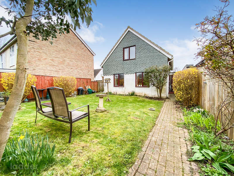 3 Bedrooms Chalet House for sale in Orchard Way, Wymondham