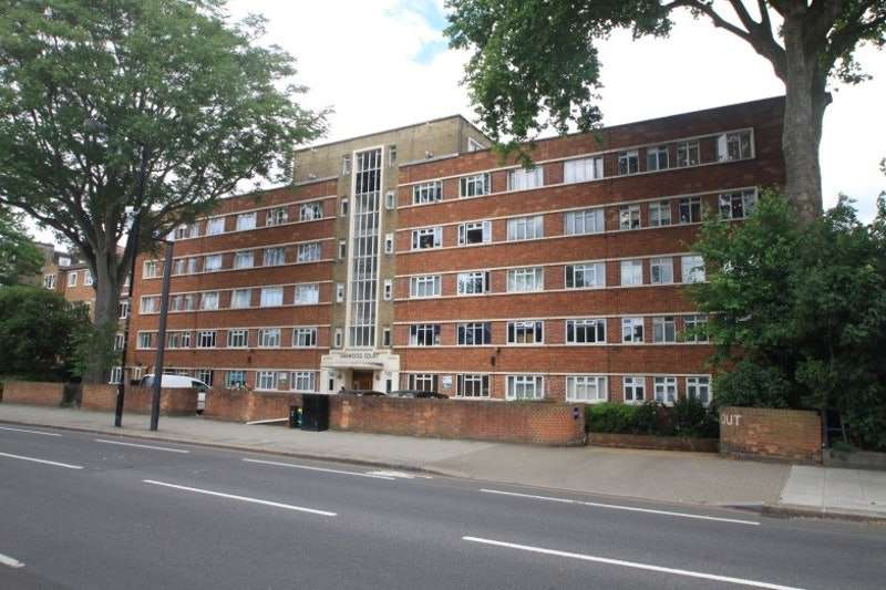 1 Bedroom Flat for sale in Upper Richmond Road, London, London, SW15