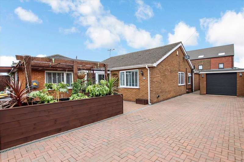 4 Bedrooms Bungalow for sale in Glenwood Grove, Lincoln