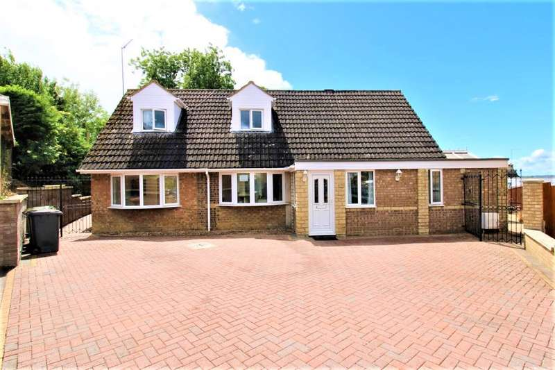 5 Bedrooms Detached House for sale in PROSPECT CLOSE, WOLLASTON