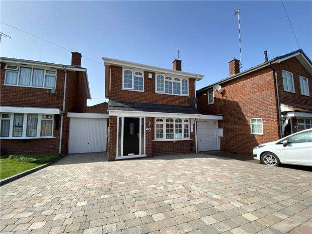 3 Bedrooms Semi Detached House for sale in Reynolds Road, Bedworth
