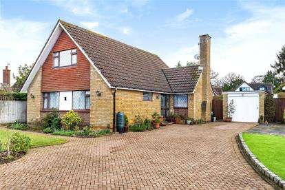 4 Bedrooms Detached Bungalow for sale in Pondfield Road, Orpington, Kent