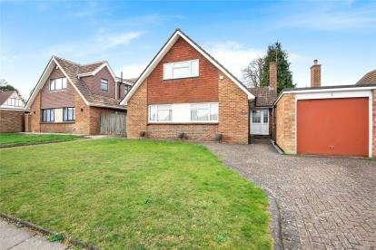 4 Bedrooms Detached Bungalow for sale in Mosslea Road, Orpington