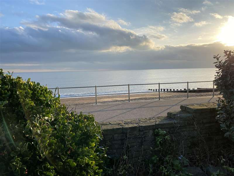4 Bedrooms Flat for sale in Marina Court Avenue, Bexhill-On-Sea