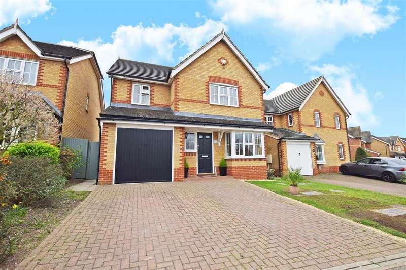 4 Bedrooms Detached House for sale in Littlefield Road, Rainham, Gillingham