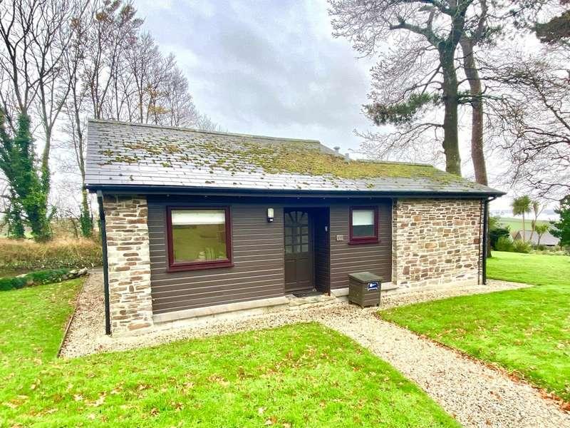 2 Bedrooms Detached Bungalow for sale in Trenython Manor, Tywardreath, Par