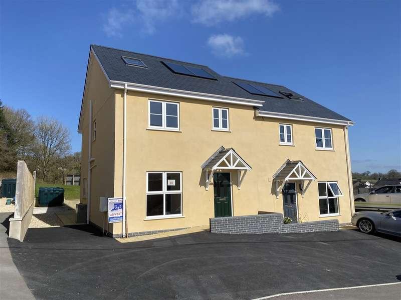 4 Bedrooms House for sale in Llansawel, Near Llandeilo