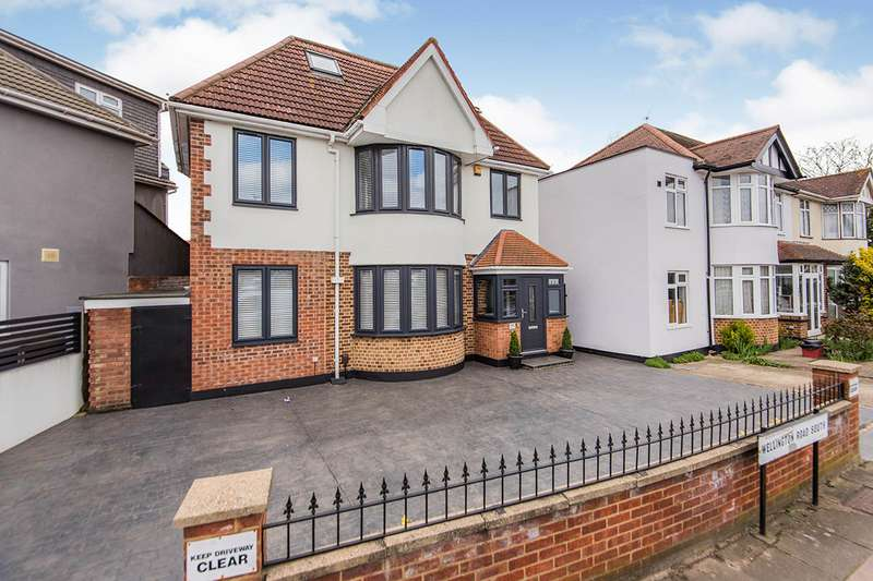 4 Bedrooms Detached House for sale in Wellington Road South, Hounslow, TW4