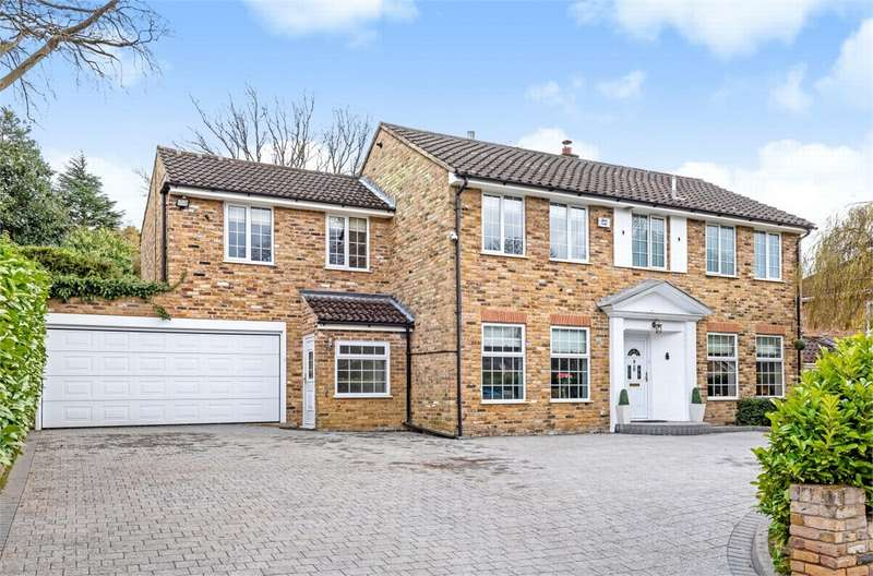 6 Bedrooms Detached House for sale in Crosby Hill Drive, CAMBERLEY, Surrey