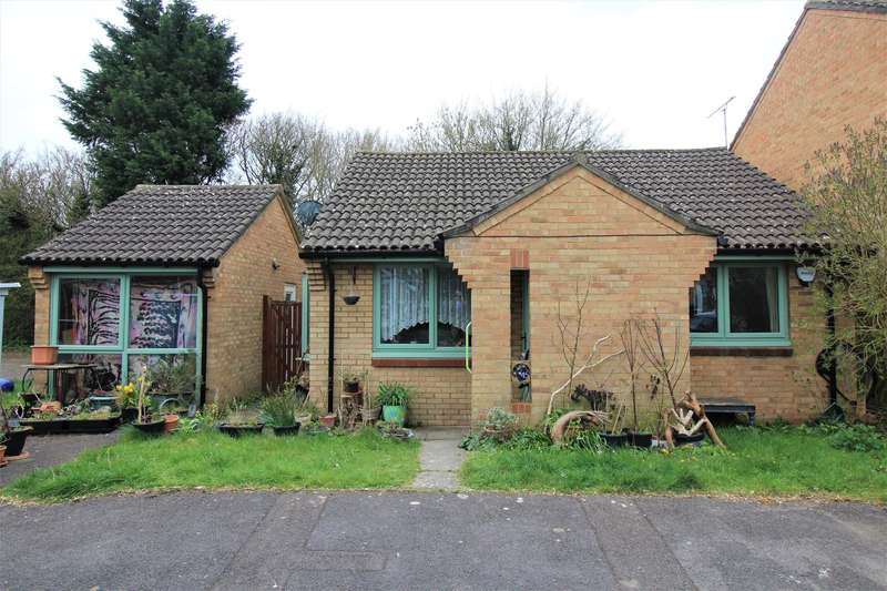 2 Bedrooms Bungalow for sale in Osprey Park, Thornbury, Bristol, BS35 1LY