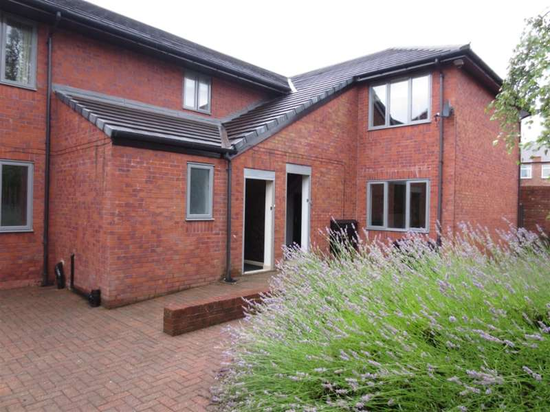 6 Bedrooms Flat for rent in Belle Vue Court, Stanmore Road, Newcatle Upon Tyne, NE6 5SX