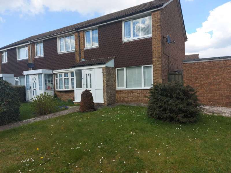 3 Bedrooms Semi Detached House for rent in Telscombe Way, Luton