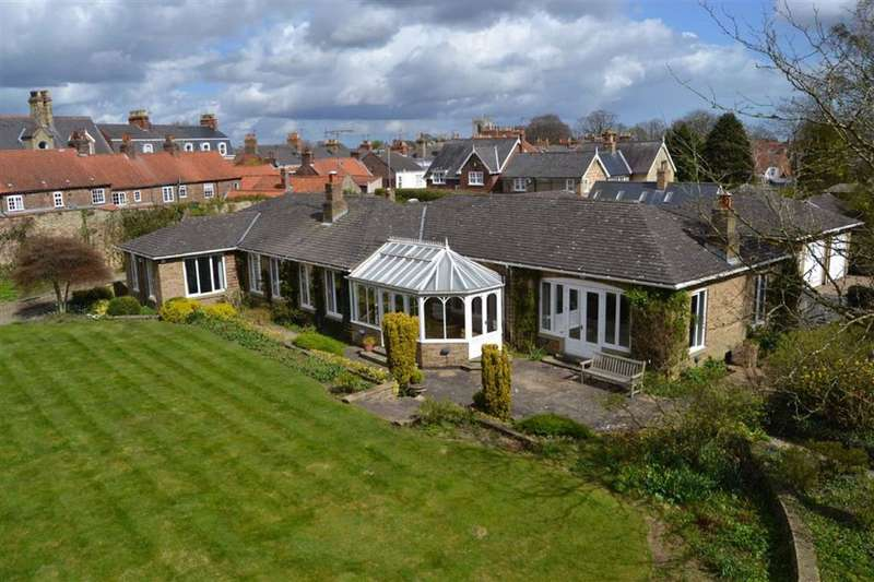 4 Bedrooms Detached Bungalow for sale in St. Giles Croft, Beverley, East Yorkshire