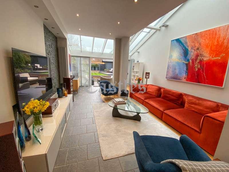 3 Bedrooms Property for sale in Honey Lane, Waltham Abbey, Essex, EN9