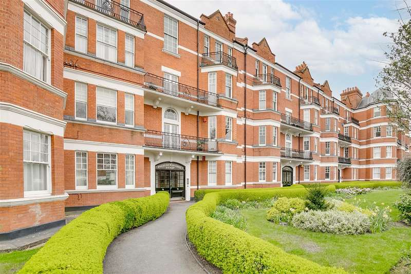 2 Bedrooms Apartment Flat for rent in Prebend Mansions, Chiswick High Road, W4