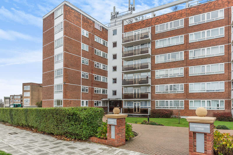 2 Bedrooms Apartment Flat for sale in CHESSINGTON LODGE, REGENTS PARK ROAD, FINCHLEY, LONDON, N3