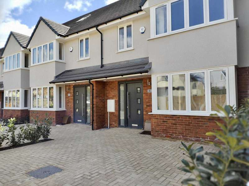 4 Bedrooms House for sale in Chesham Road, Bovingdon