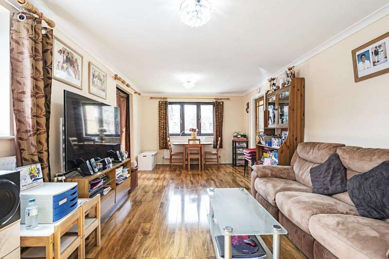2 Bedrooms Flat for sale in Magpie Close, Colindale, NW9