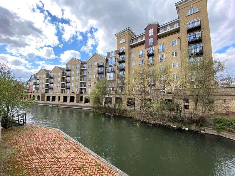 3 Bedrooms Apartment Flat for sale in Riverside House, Fobney Street, Reading, Berkshire, RG1