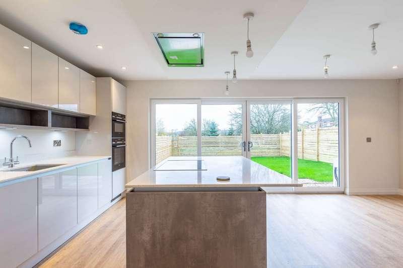 4 Bedrooms Detached House for sale in London Road, Rockbeare,, Exeter, Devon