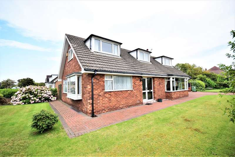 3 Bedrooms Detached Bungalow for rent in Clarendon Road North, Lytham St Annes, FY8