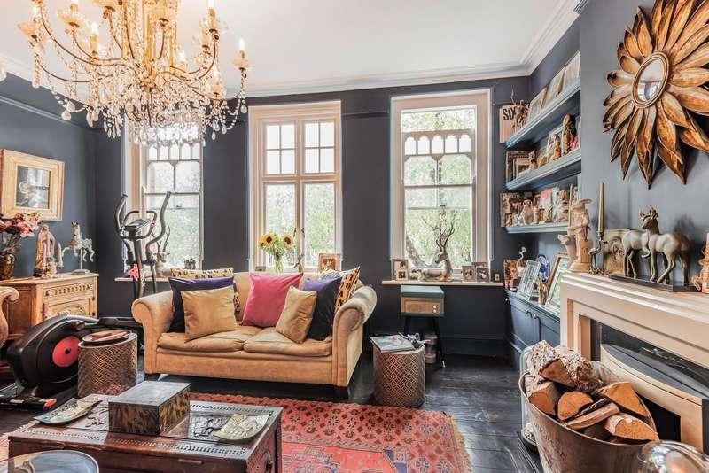 4 Bedrooms Flat for sale in High Street, Teddington, TW11