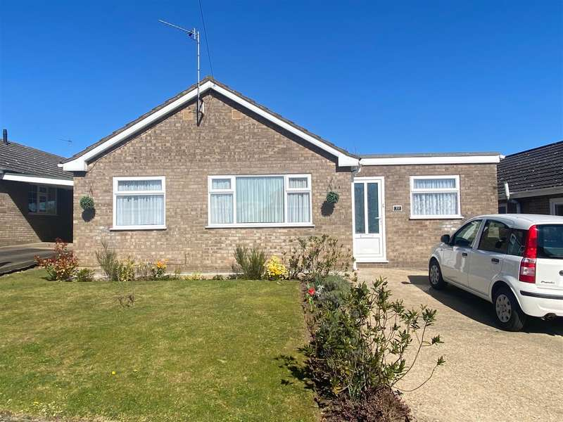 3 Bedrooms Bungalow for sale in Meadow Close, Louth, LN11 9EB