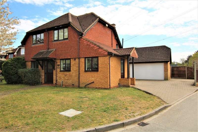 4 Bedrooms Detached House for sale in Sanway Road, Byfleet, Surrey, KT14