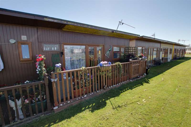 2 Bedrooms Park Home Mobile Home for sale in Links Avenue, Mablethorpe