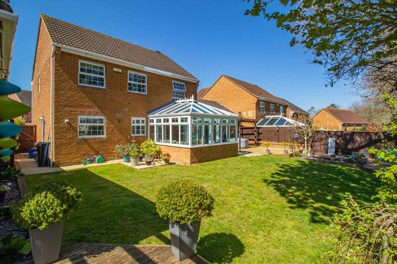 4 Bedrooms Property for sale in Chalfield Close, Keynsham