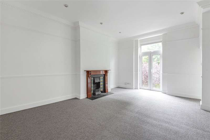 3 Bedrooms Flat for sale in Archway Road, Highgate, London, N6