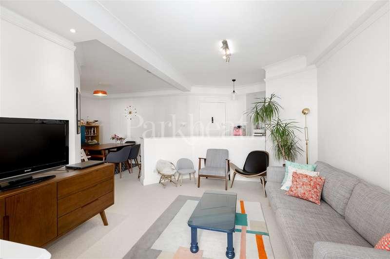 3 Bedrooms Flat for sale in Belsize Avenue, Belsize Park NW3
