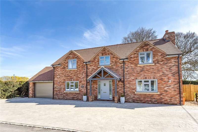 3 Bedrooms Detached House for sale in Winterbourne Monkton, Wiltshire, SN4