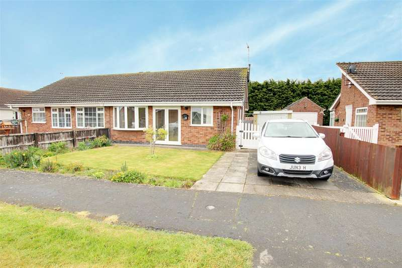 2 Bedrooms Semi Detached Bungalow for sale in Ivel Grove., Mablethorpe