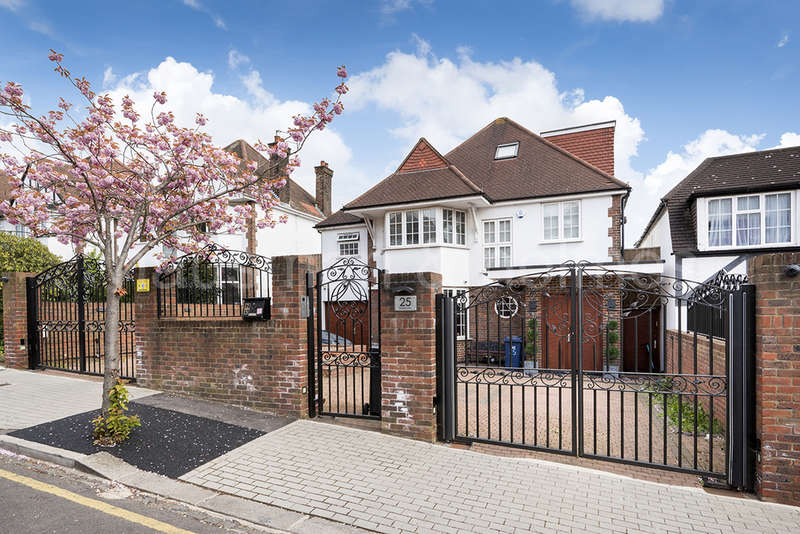 5 Bedrooms Detached House for sale in BASING HILL, GOLDERS GREEN, London, NW11