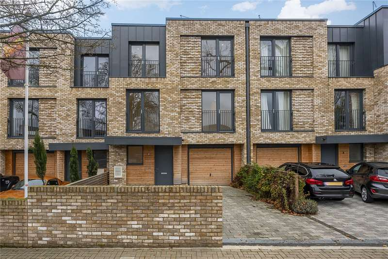 5 Bedrooms Terraced House for sale in Argyll Terrace, Victoria Drive, London, SW19