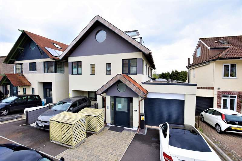 1 Bedroom Flat for sale in Arbutus Drive, Coombe Dingle