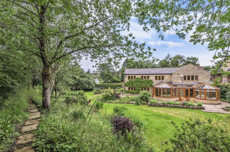 5 Bedrooms Detached House for sale in Thornley Lane, Grotton, OL4 5RP