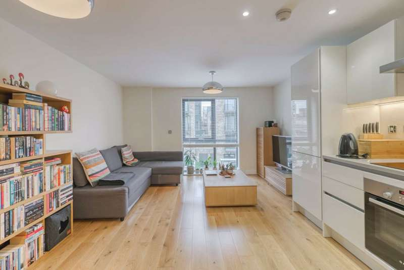 1 Bedroom Flat for sale in Inglis Way, Mill Hill, London, NW7
