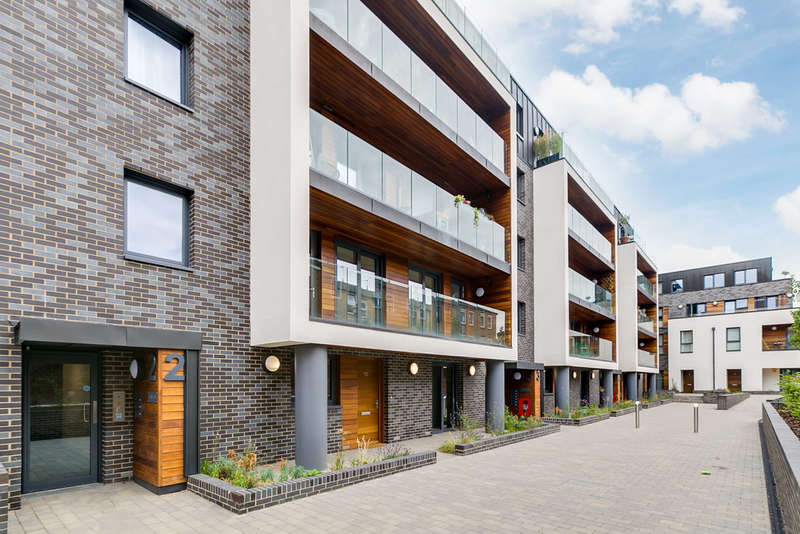 4 Bedrooms Flat for sale in Dalston Lane Terrace, E8 3AH