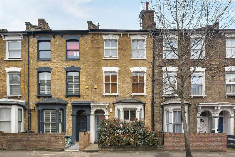 2 Bedrooms Flat for sale in Cricketfield Road, Hackney, London, E5