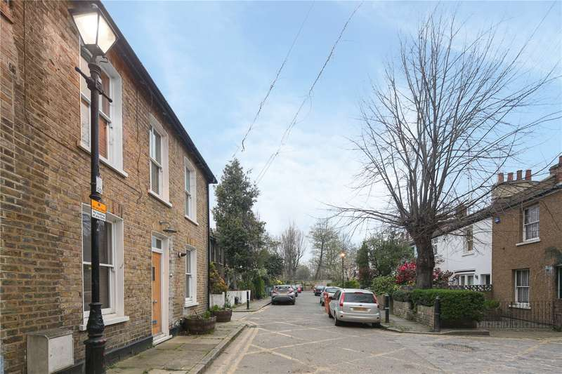 2 Bedrooms House for sale in Mile End Place, Stepney, London, E1