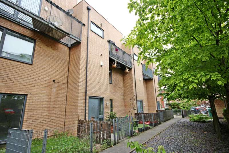 3 Bedrooms Terraced House for sale in Betsham Street, Manchester