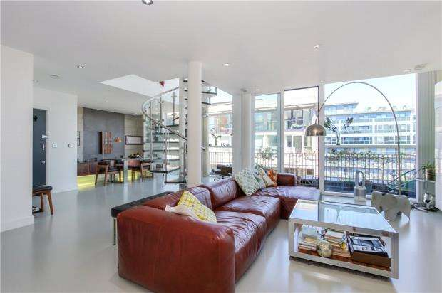 2 Bedrooms Apartment Flat for sale in Western Gateway, Royal Docks, London