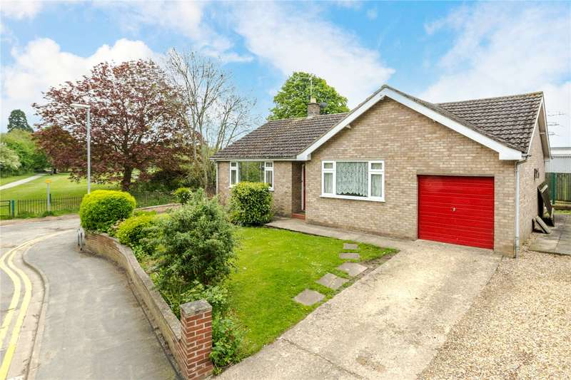 2 Bedrooms Detached Bungalow for sale in Churchill Avenue, Bourne, PE10