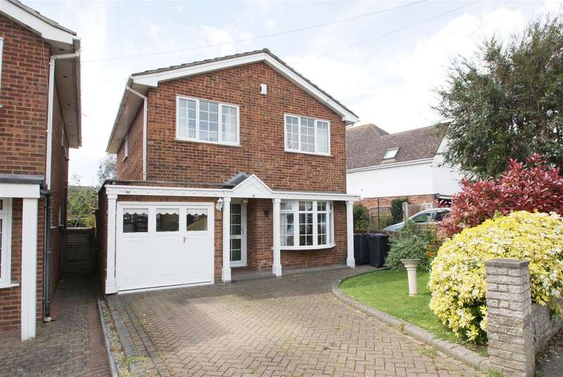 4 Bedrooms Detached House for sale in Louise Road, Rayleigh