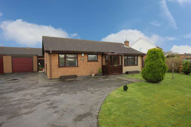 2 Bedrooms Detached Bungalow for sale in Huttoft Road, Sutton-On-Sea