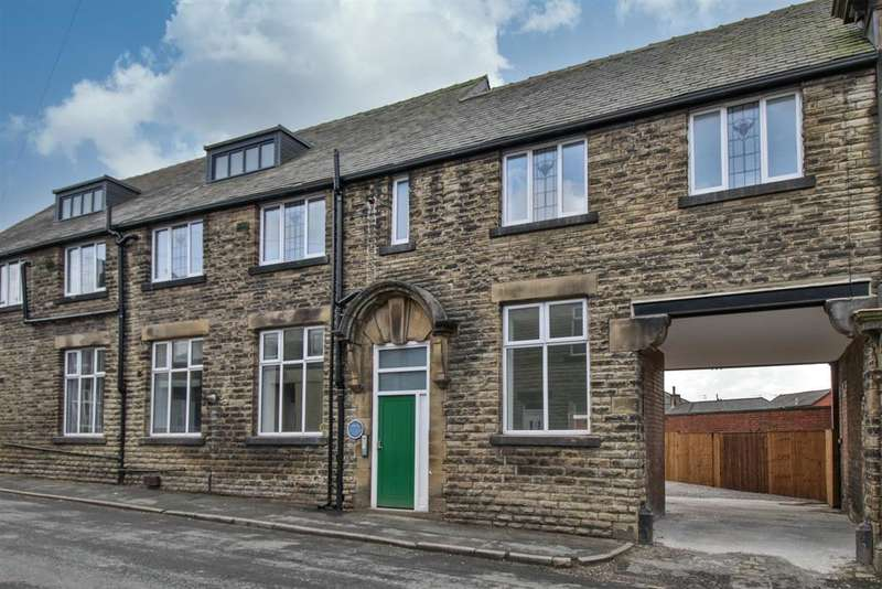 2 Bedrooms Apartment Flat for sale in Leah Street, Littleborough, OL15 9BS